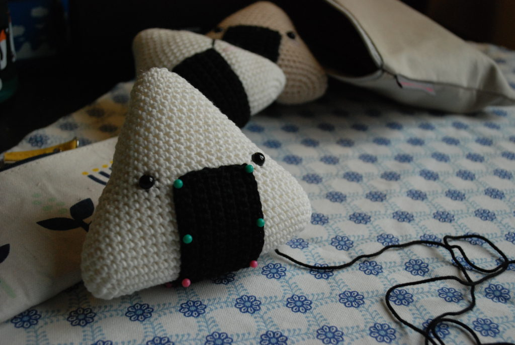 Assemblage onigiri au crochet