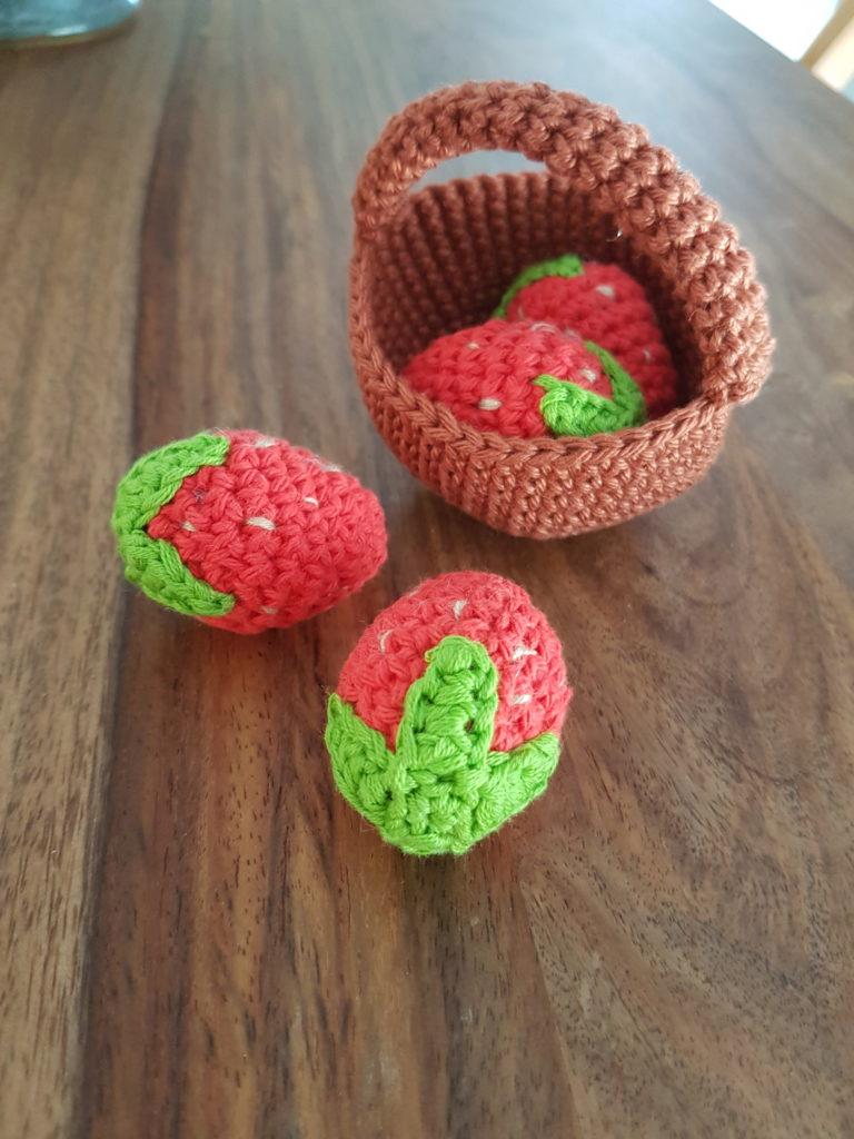 Strawberries amigurumi crochet