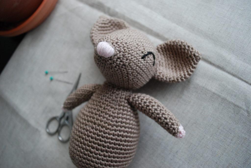 Amigurumi mouse crochet